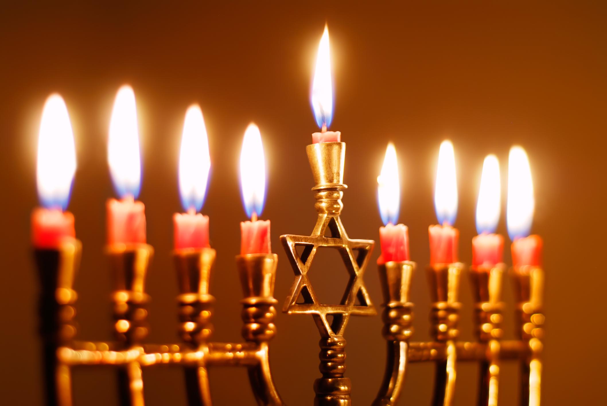 Is your food Chanoeka-proof, Kosher produced?